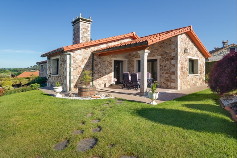 Fotografía de Juan Amor de casa en venta en Sada por inmobiliaria Morando.es. Y Home staging por ccvo.