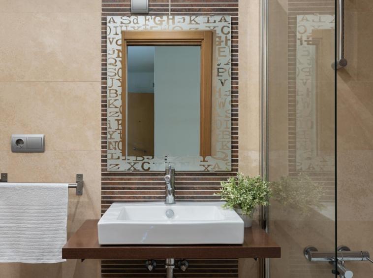 Detalle cuarto de baño bajo Costa Dulce en Sada_planta junto a lavabo