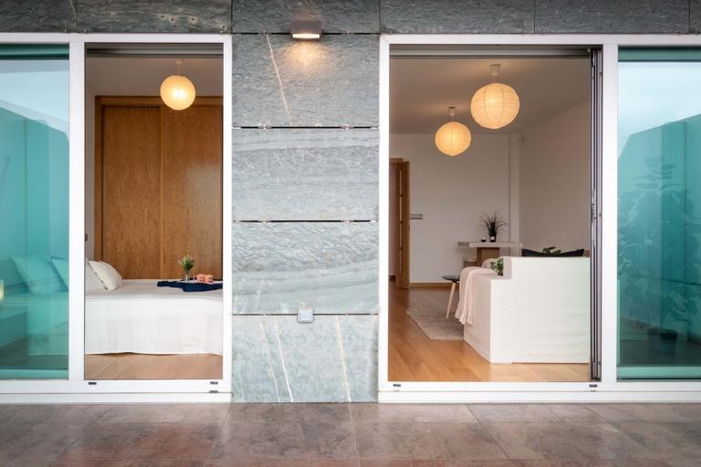 Terraza con acceso directo a salón y dormitorio