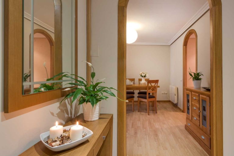 Fotografía de piso en venta en Vilaboa Coruña. Fotos realizadas por Juan Amor para inmobiliaria Morando.es. Escenificación Home Staging.