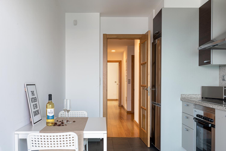 Cocina y acceso desde el pasillo