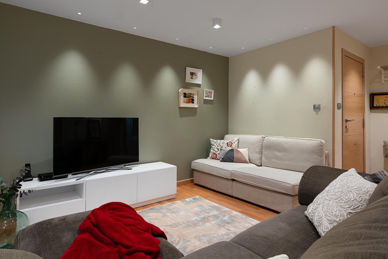 Salón con conjunto de sofás