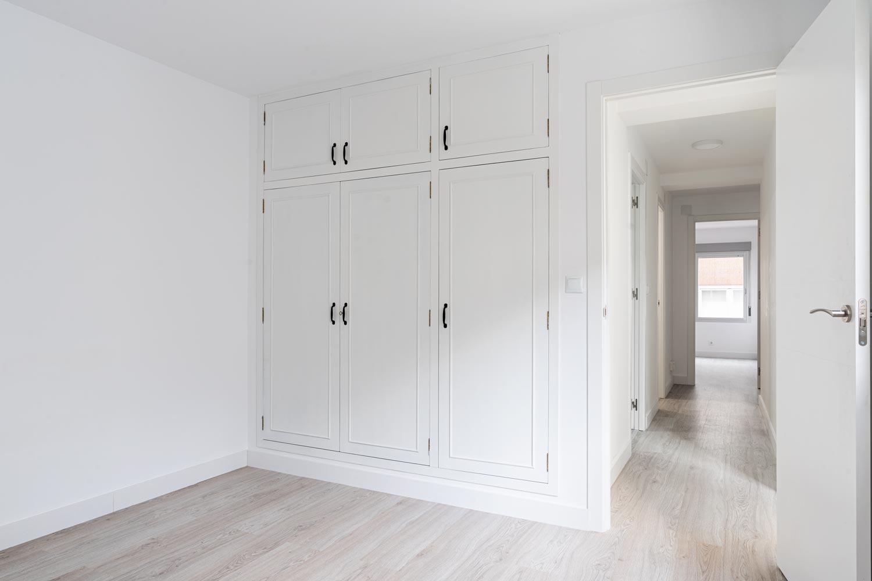 Dormitorio principal con armario empotrado